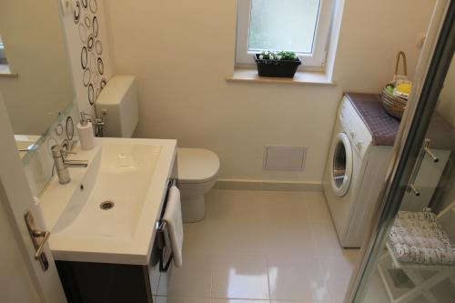 Apartment Iris - image 3