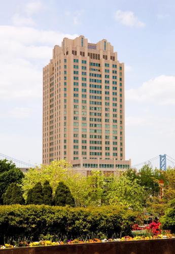 Hilton Philadelphia At Penns Landing - Philadelphia, PA 19106