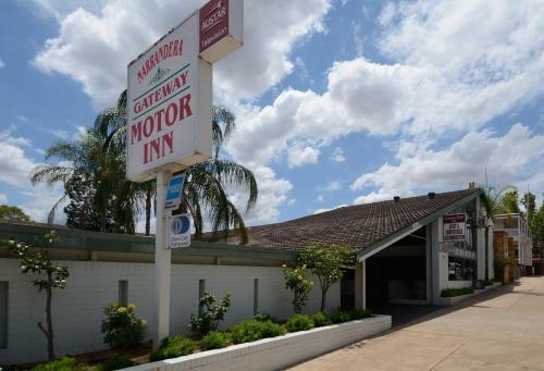 . Gateway Motor Inn
