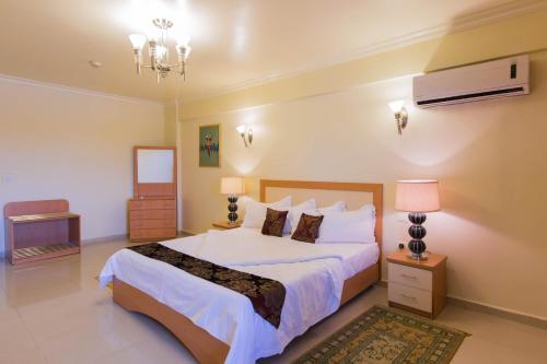 . Maroko Bayshore Suites