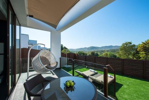 Suite with Private Pool and Private Garden Mas Tapiolas Suites Natura 51