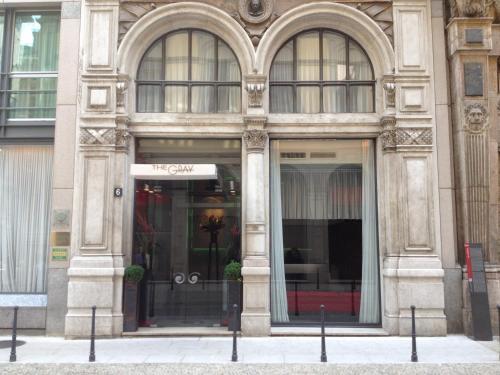 San Raffaele 6, 20121 Milano, Italy.