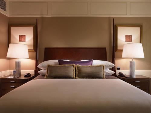 Executive Suite - Complimentary Airport transfer, Lounge Access,complimentary usage of meeting room for two hours per stay