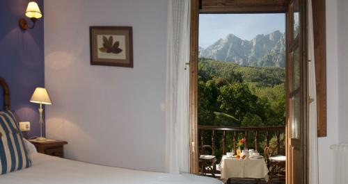 Habitación Doble Superior con terraza - 1 o 2 camas Posada San Pelayo 3