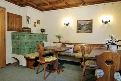 Hotel Garni Albona - Accommodation - St. Anton am Arlberg
