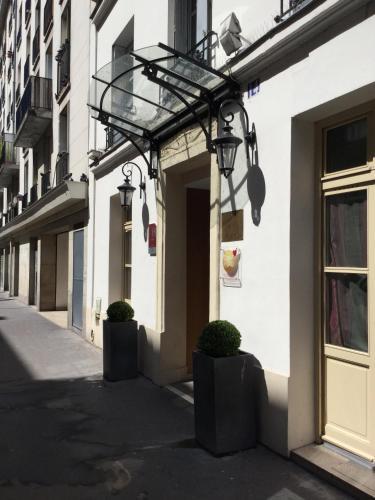 Hotel de Neuve by Happyculture photo 6