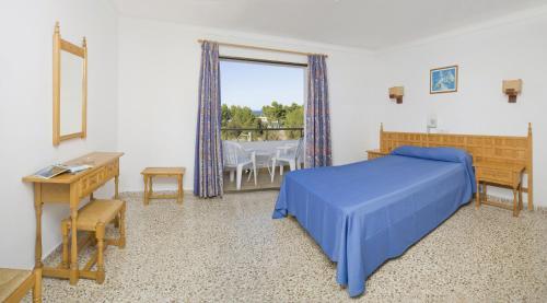 Hotel Bahia Playa salas fotos