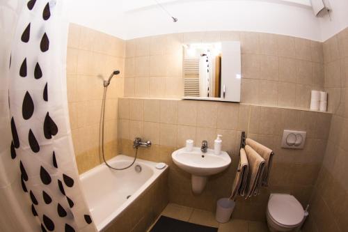 DnD Apartments Keleti Railway Station photo 95