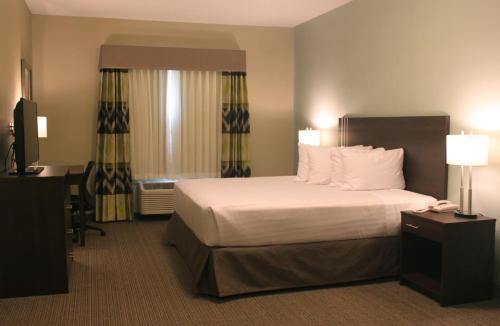 Meridian Inn & Suites - Lloydminster, AB T9V 3R8