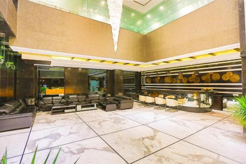 Фото отеля Ranjee's Hotel