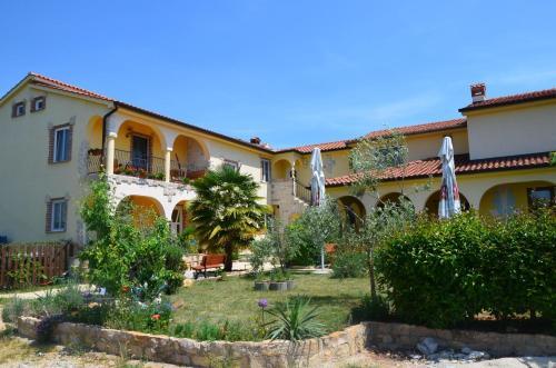 . Apartmenthaus Sabine