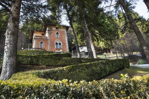 Villa Pinetina BandB