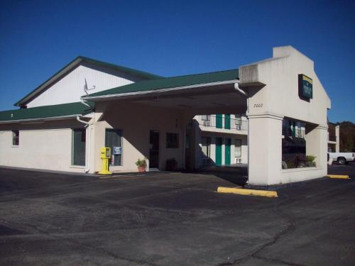 Americas Best Inn - Brinkley