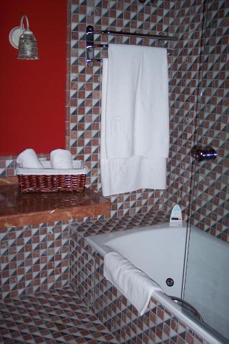 Suite Hotel Spa La Casa Del Convento 26