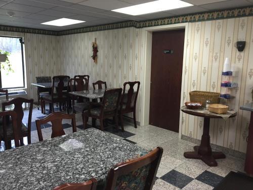 Days Inn By Wyndham Niantic Near Casinos - Niantic, CT 06357