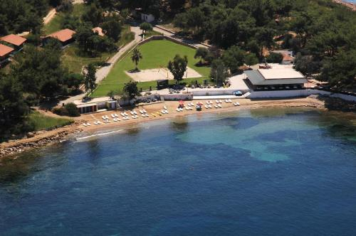 . Rainbow Bay Ozdere Beach Hotel