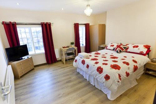 Emporium Self Catering Apartments By Victoria Centre Shopping Centre - Ideal For Contractors & Essential Workers, Own Ki