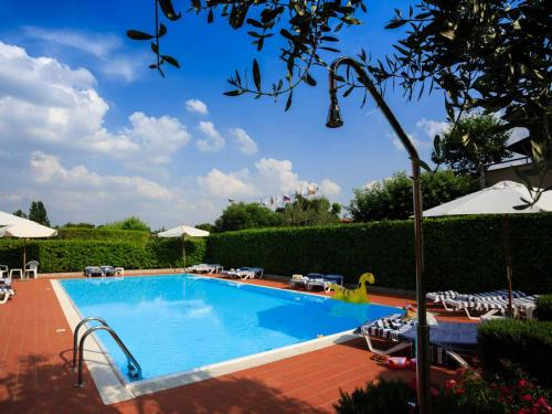 . BellaSirmione Holiday Apartments