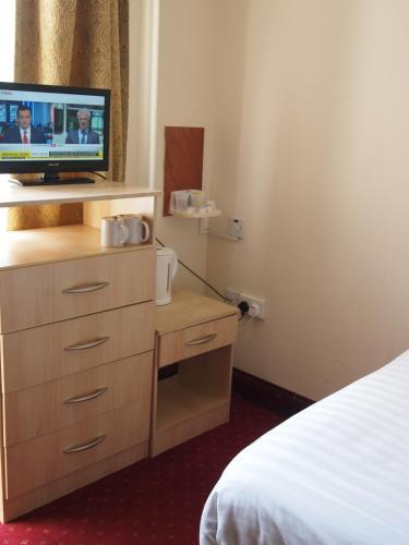 Hotel Olympia - Photo 8 of 24