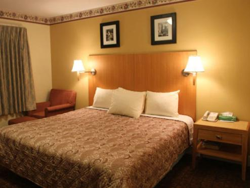 Stardust Motel - North Stonington, CT 06359