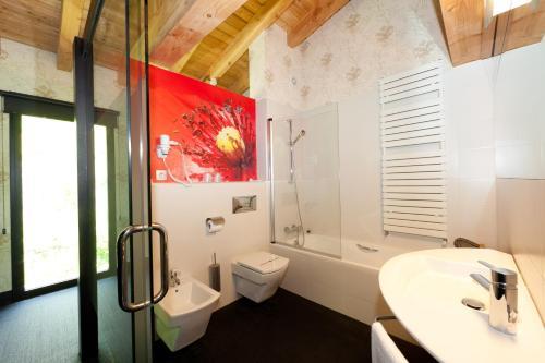 Suite Deluxe con cama extragrande Ellauri Hotel Landscape SPA - Adults Only 9