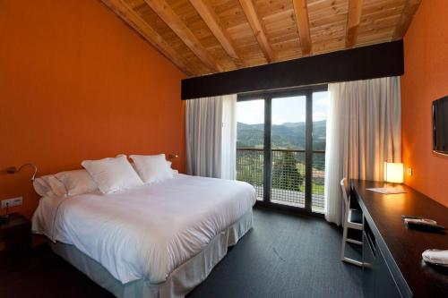Superior Double Room with Extra Large Bed Ellauri Hotel Landscape SPA - Adults Only 5