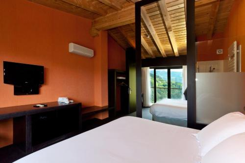 Superior Double Room with Extra Large Bed Ellauri Hotel Landscape SPA - Adults Only 3