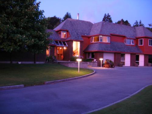 . Woodland Glen Lodge B&B