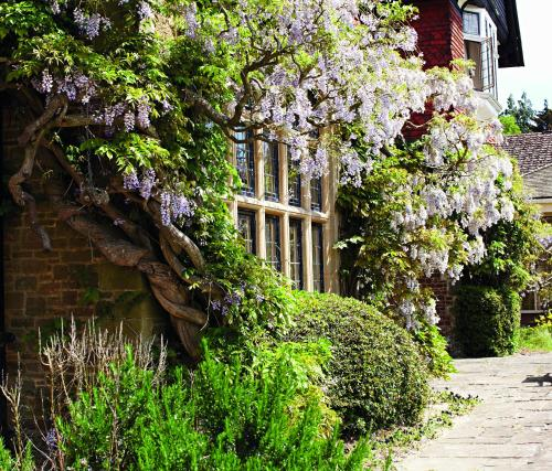 Headley Road, Grayshott, Near Hindhead, Surrey GU26 6JJ, England.