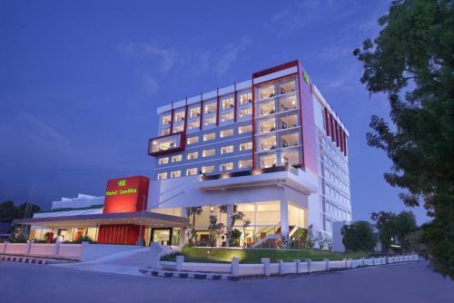 . Hotel Santika Palu