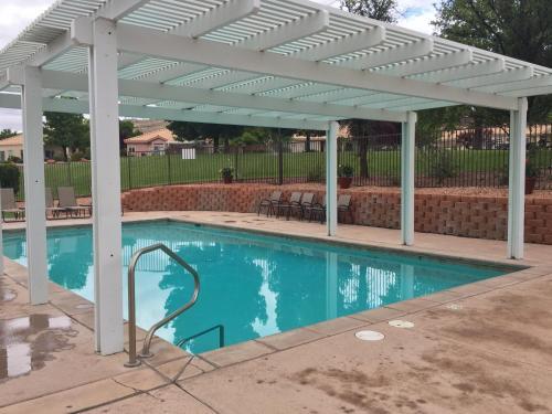 . Multi Resorts at Villas at Southgate