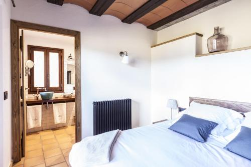 Double Room - single occupancy Hotel Mas la Ferreria 2
