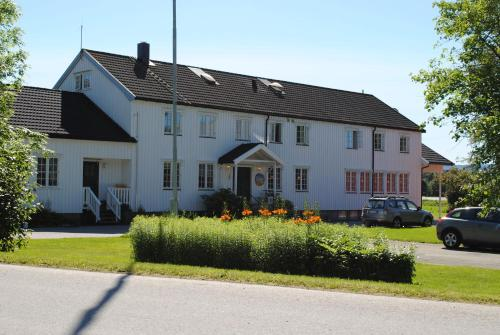 . Grong Gård Guesthouse