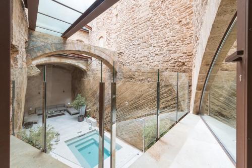 Lledoner 15, 07400 Alcúdia, Majorca Spain.