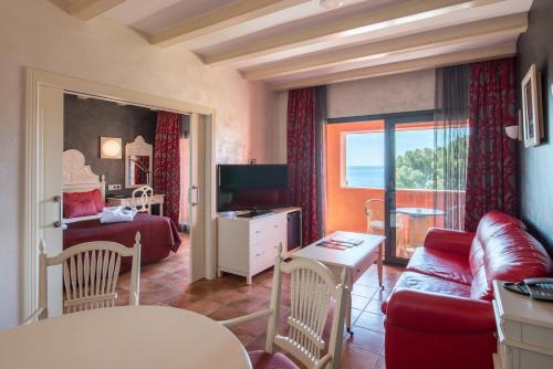 Suite with Sea View with Spa Access Hotel & Spa Cala del Pi 25