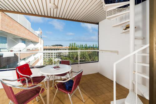 Family Apartment with Balcony (4 Adults + 2 Children)