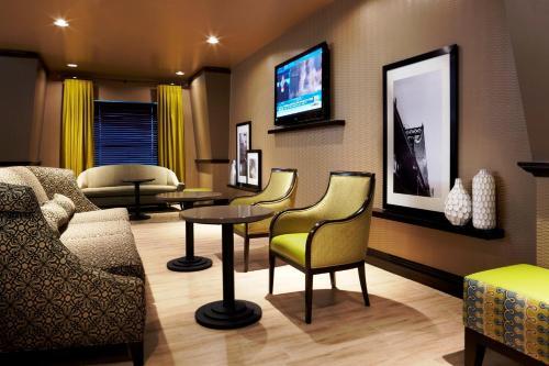 Hampton Inn & Suites Montreal-Dorval in Dorval