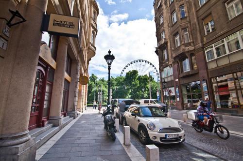 SasOne Rooms in Budapest