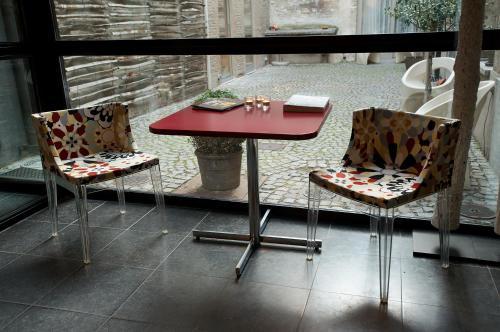 Haarstraat 11a, 2000 Antwerpen, Belgium.