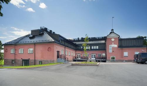 . Hämeenkylän Kartano