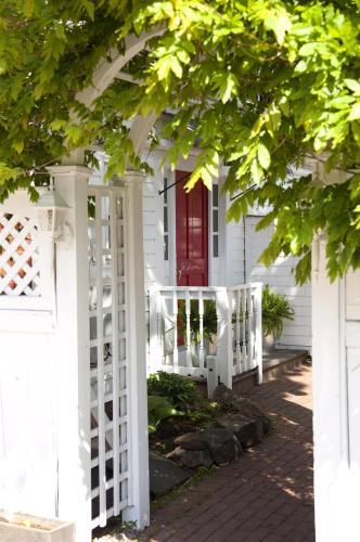90 Bradford Street, Provincetown, MA 02657, United States.