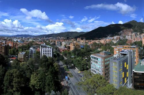 Carrera 11 N° 86-74, Bogotá, 110010, Colombia.