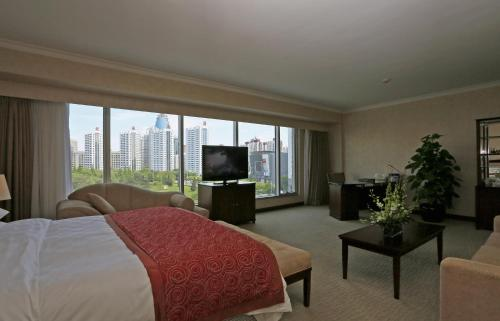 Deluxe Double Room with Park View