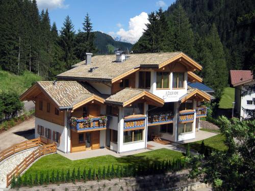 Color Home Suite Apartments - Predazzo