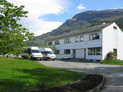 Hardanger Hostel B&B - Photo 3 of 43