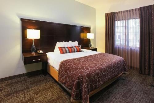 Staybridge Suites Naples-Gulf Coast - Naples, FL 34103