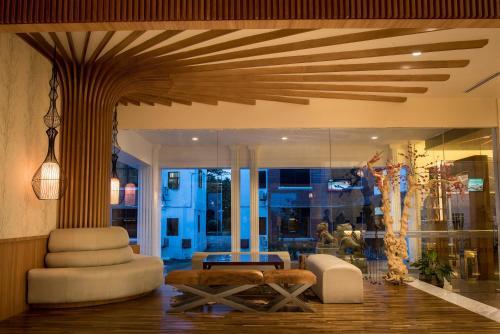 Crown Vista Hotel photo 16