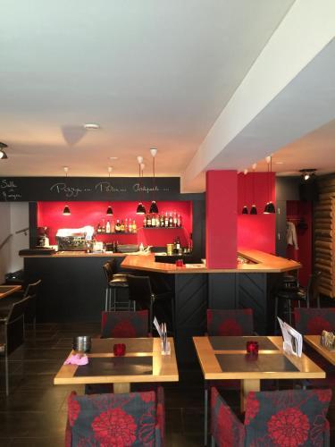 . Hôtel-Restaurant Le Lion d'Or