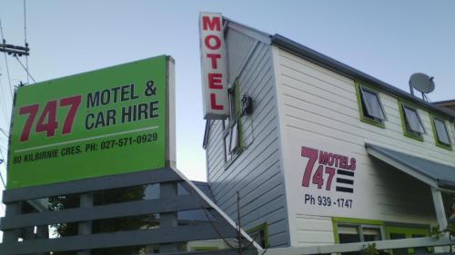 747 Motel&Car Hire - Accommodation - Wellington