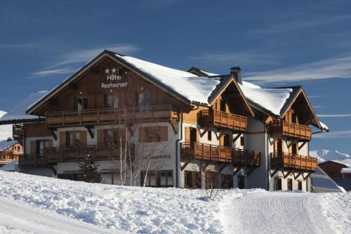 Chalet-Hôtel Le Beausoleil, The Originals Relais (Hotel-Chalet de Tradition) La Toussuire